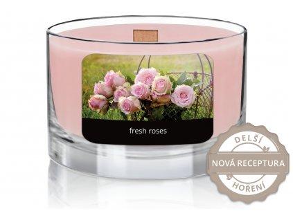svíčka ve skle s dřevěným knotem | Čerstvé růže
