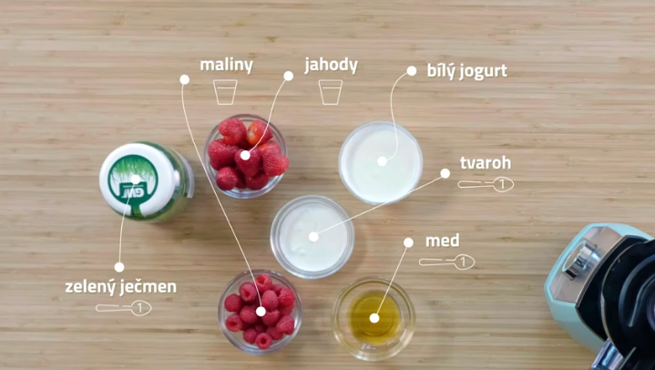 Ranní smoothie se zeleným ječmenem
