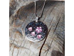 Ocelový náhrdelník s ručně zdobeným přívěskem1