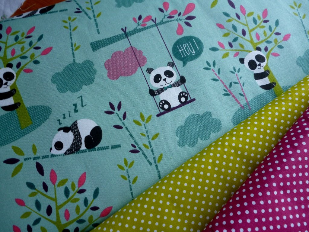 pandy kombinace s punticky kiwi fuchsie