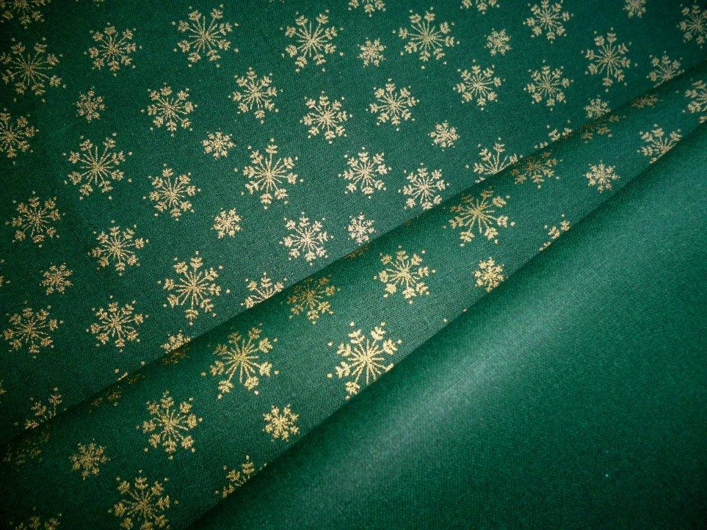 P1040798 zlaté vločky na vánoční zelené