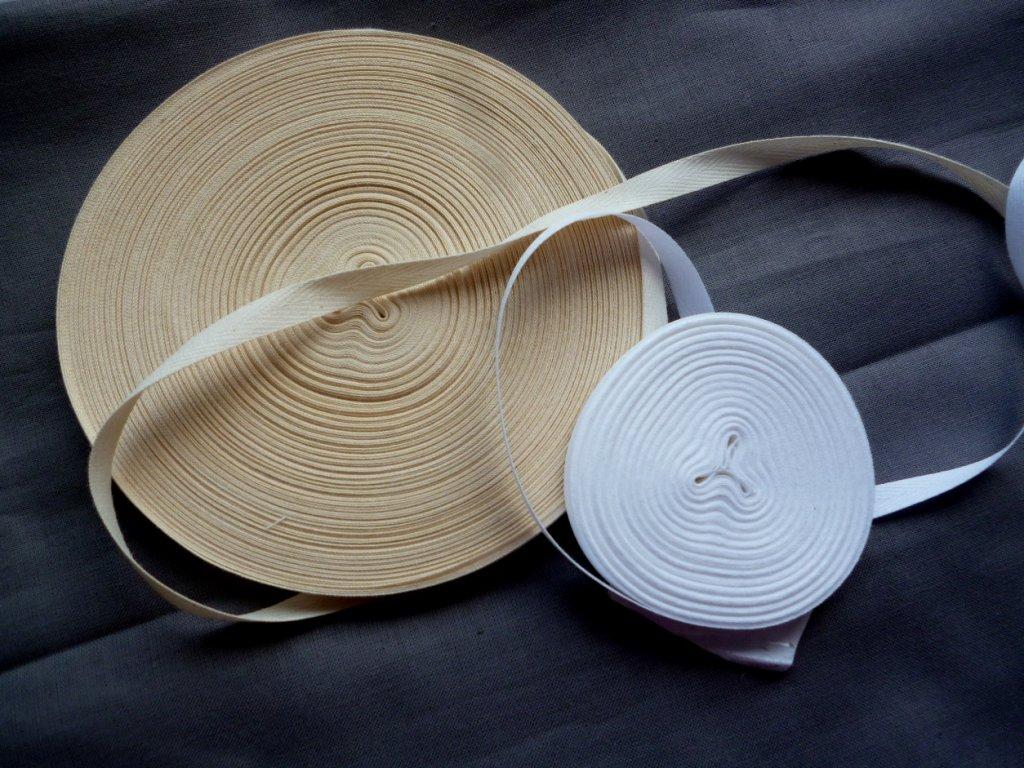 P1050307 tkaloun mm bílý a smetanový