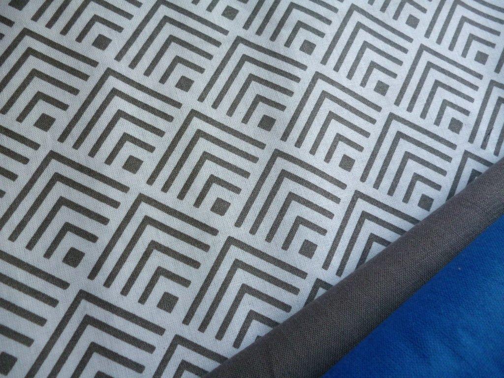 sipky ctverecky geometricky vzor seda modra kombinace