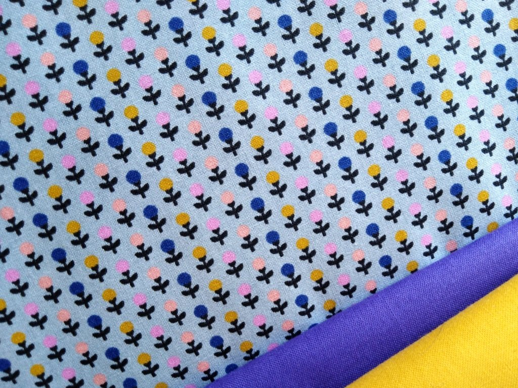 kvety v rade pastelove modra kombi