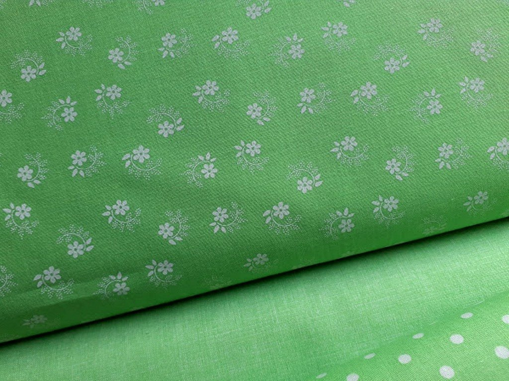 drobne bile kyticky pastelova zelena2