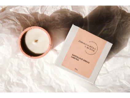Zdravá sviečka Jemnô v betóne - santalové drevo, limetka