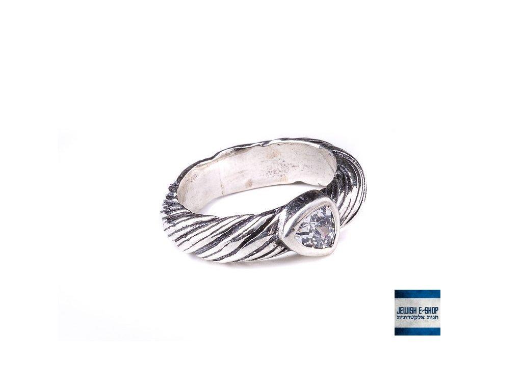 Prsteny se zirkony