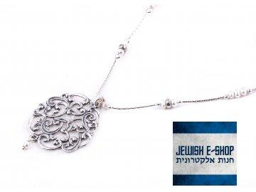 Stříbrný náhrdelník s výrazným přívěskem a perličkami