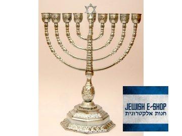 židovský svícen Chanukija - devět ramen