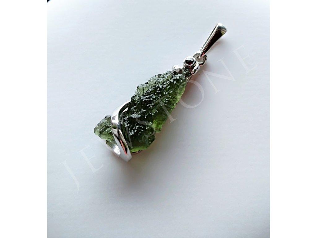Stříbrný přívěsek - přírodní vltavín, granát 3,7 g, Ag 925/1000+R
