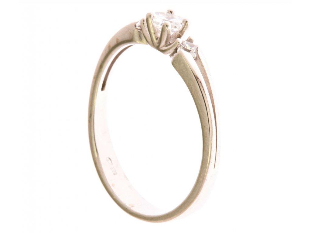 Prsten z bílého zlata se zirkony G657