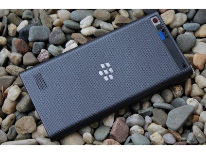 Blackberry Z20 zadní kryt černý