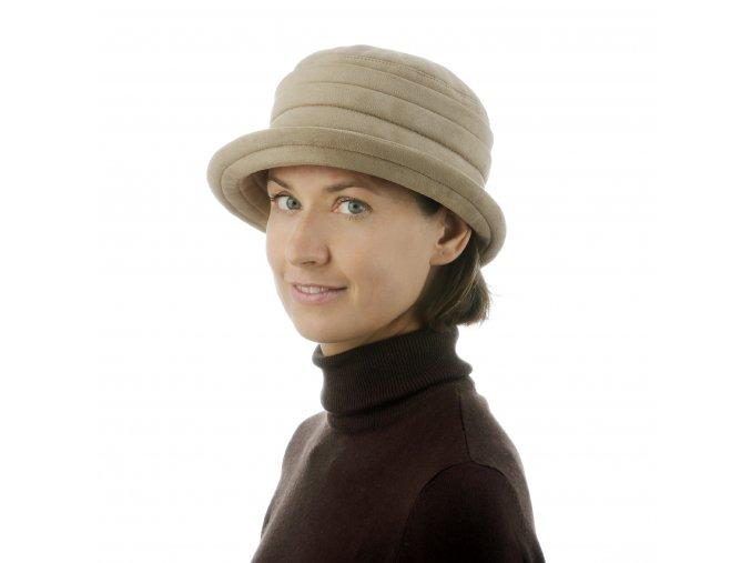 Béžový dámský klobouk do zimního počasí
