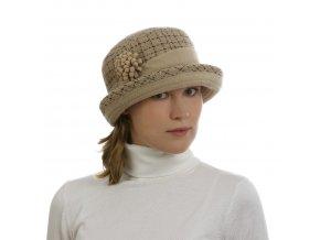 Zimní klobouk spaspulovanou krempou