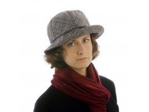 Černobílý dámský klobouk