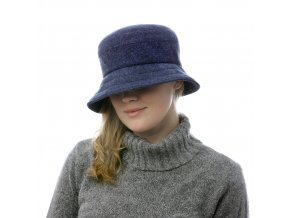 Tmavě modrý dámský vlněný klobouk pro podzim a zimu