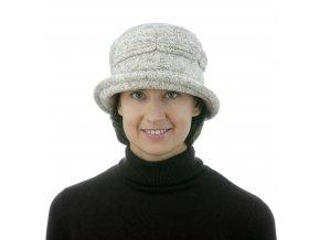 Dámský zimní klobouk z jemné froté látky