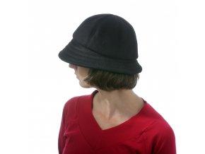 Módní dámský klobouk s kulatou hlavou