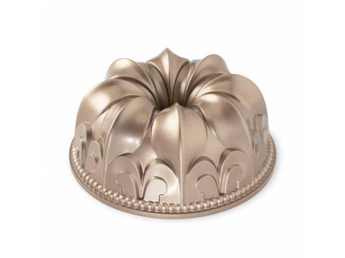 Forma na bábovku Královská lilie 10 cup, karamelová od značky Nordic Ware.