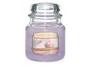 Svíčka Classic střední SWEET MORNING ROSE Yankee Candle
