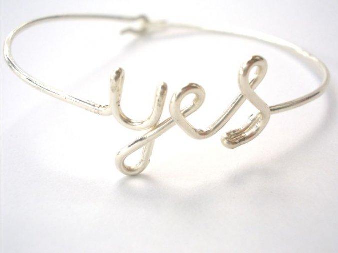 """Náramek s nápisem """"yes"""""""