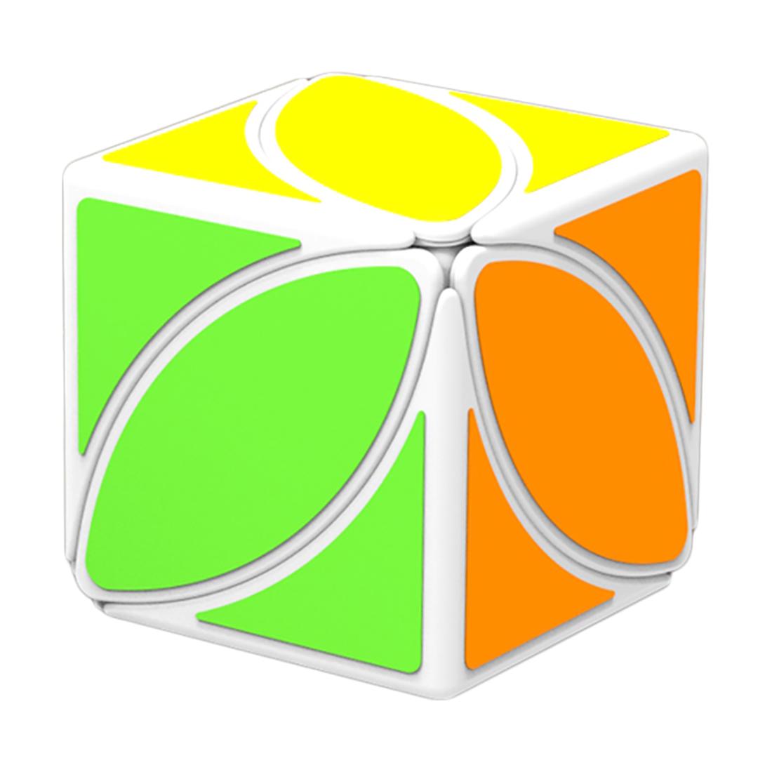 Zakulacená (Rubikova kostka - Ivy Cube) - bílý podklad