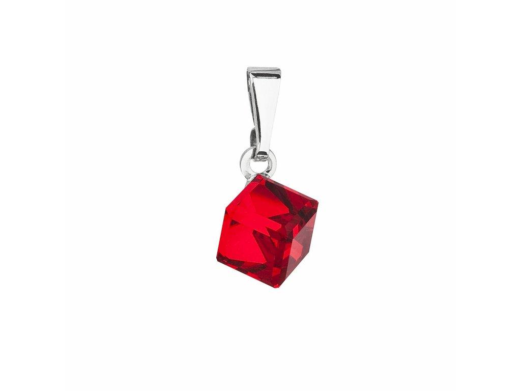 Přívěsek bižuterie se Swarovski krystaly červená kostička 54019.3