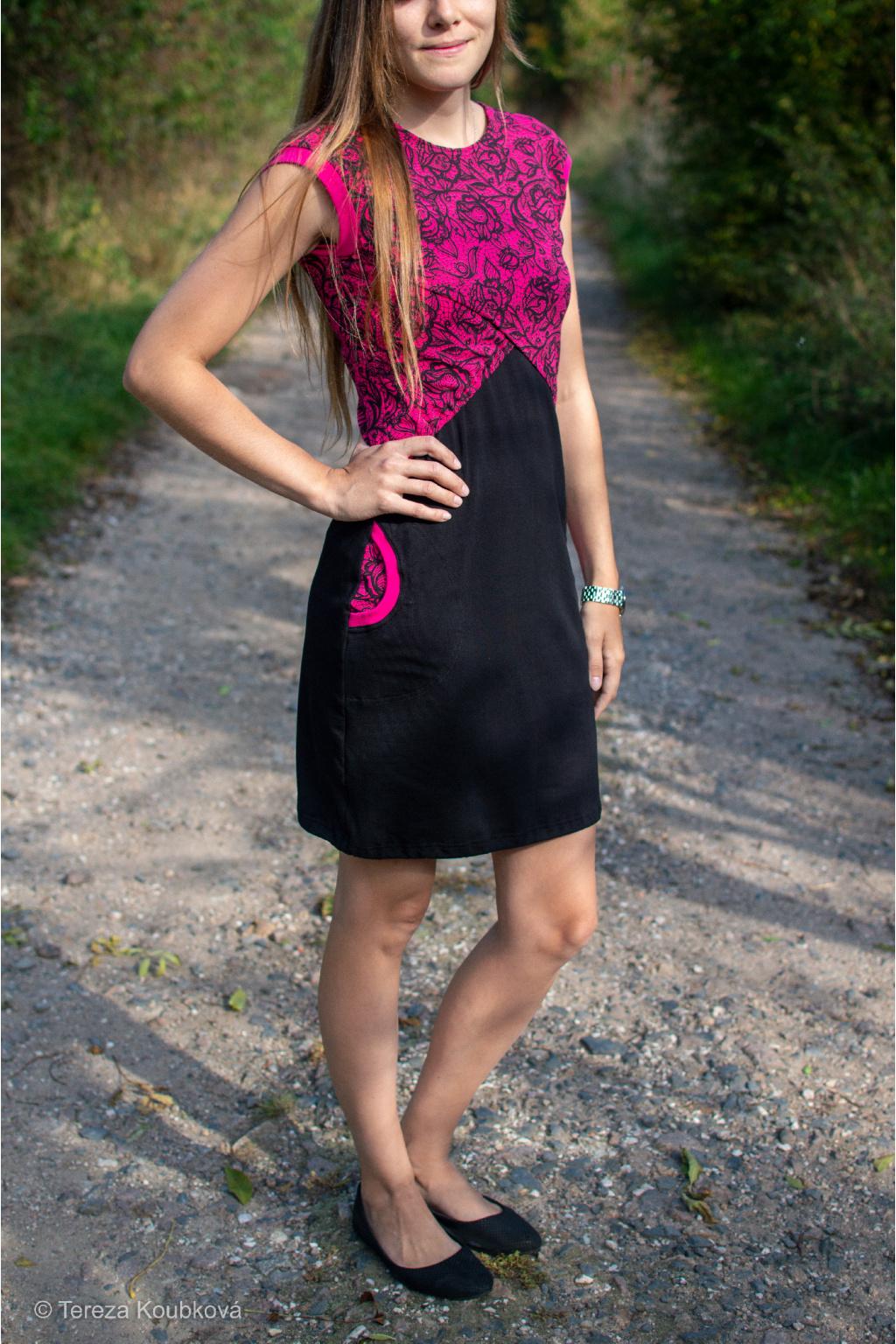 Kojicí šaty Jsem máma, růžová krajka