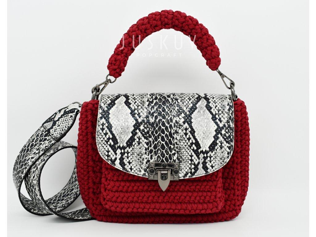 Ručně háčkovaná kabelka bordo - hadí kůže