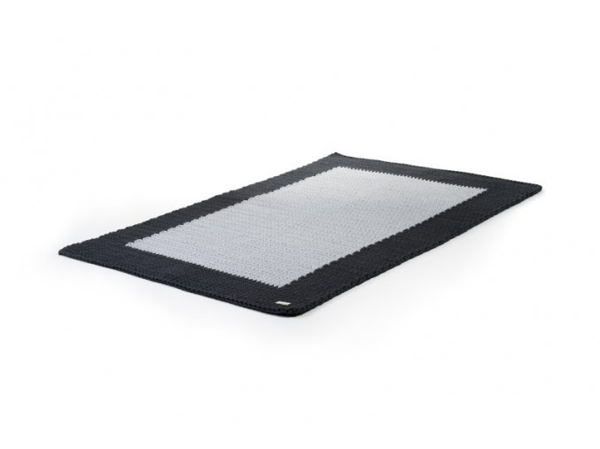 Háčkovaný koberec šedý s tmavým okrajem 80x120 cm