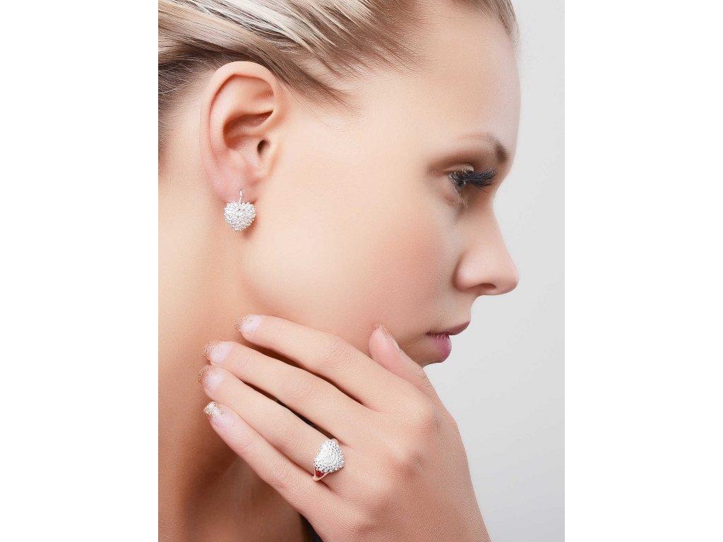 Náušnice z bílého zlata se srdcem bohatě zdobeným zirkony- 3Dstyl 22290101