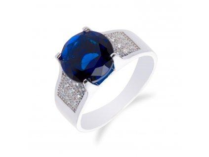 Výrazný stříbrný prsten s velkým safírem a zirkony