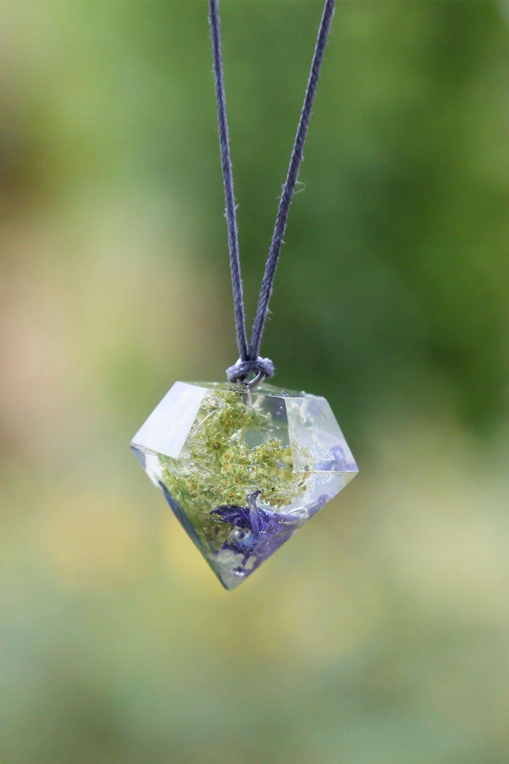 Krystal KAAPO s Lučními zvonky a Kontryhelem