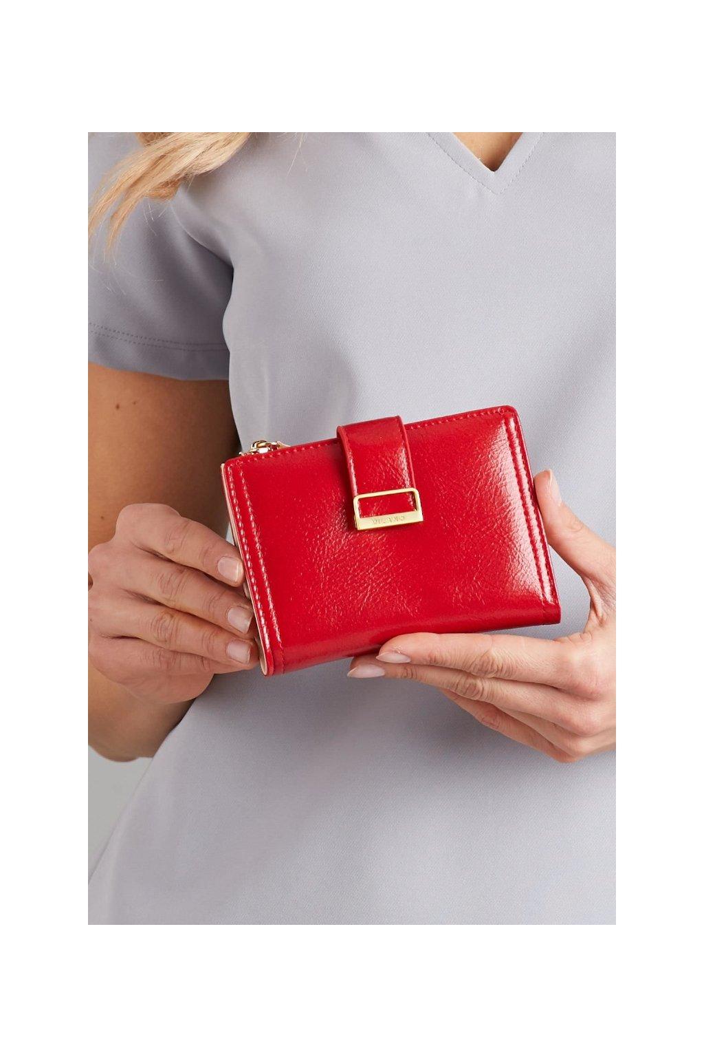 Červená peněženka Milano Design s přezkou