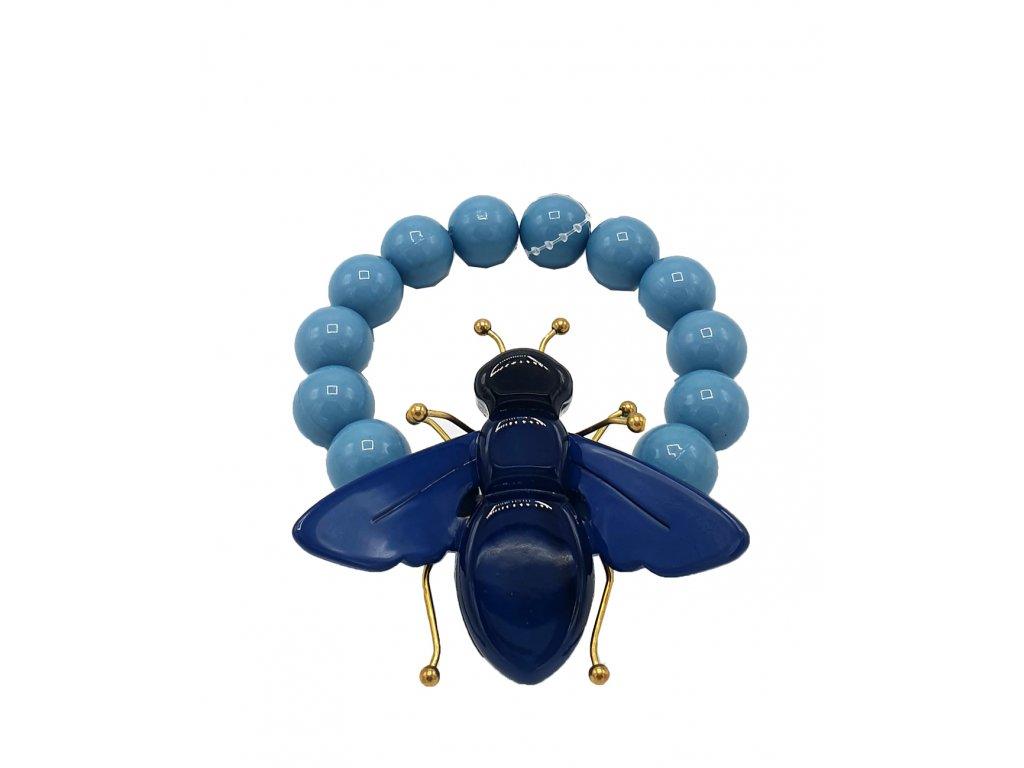 Náramek s mouchou z pryskyřice světle modrý