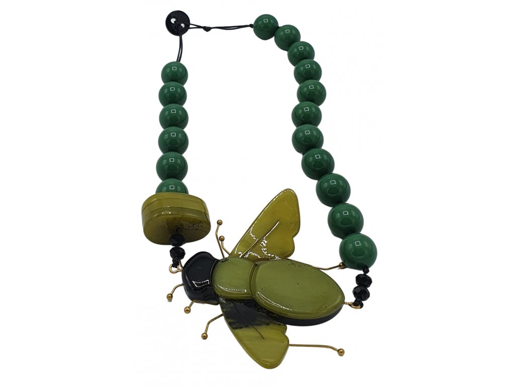 Náhrdelník s mouchou z pryskyřice tmavě zelený