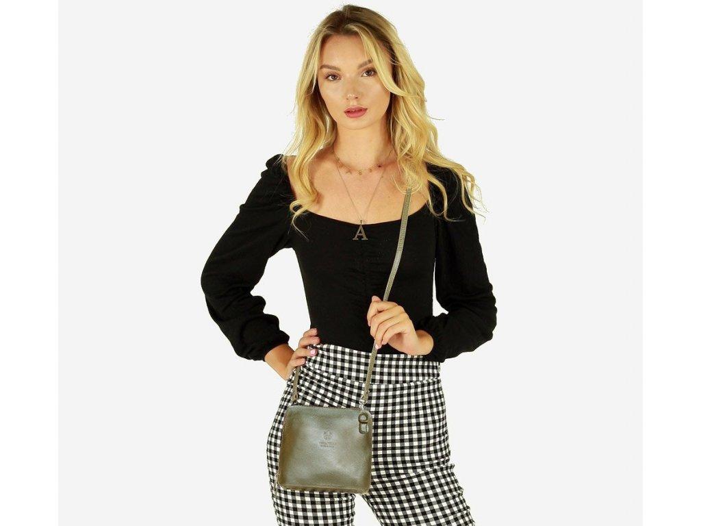 Italská kožená crossbody kabelka MAZZINI; zlatá