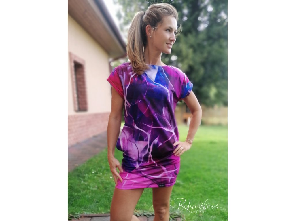 Oversize šaty - Mávnutí
