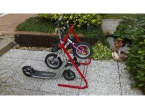 Stojan pro dětská kola, koloběžky a odrážedla (KS-810)
