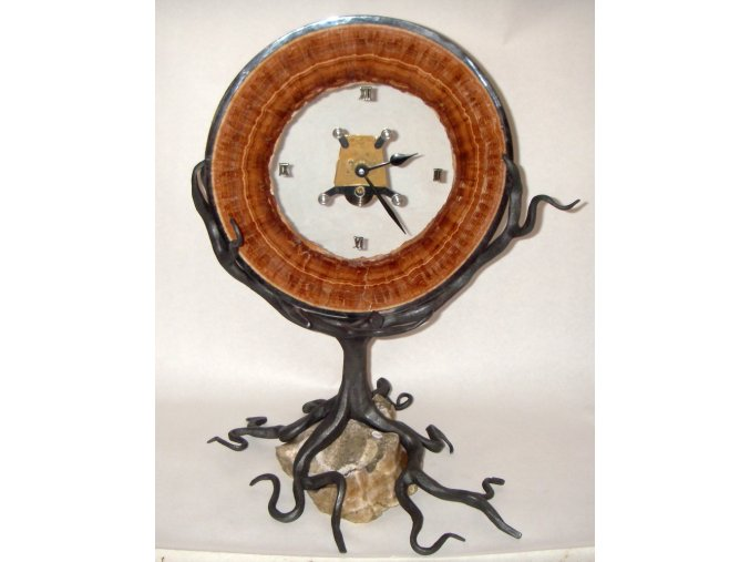 Hodiny z karlovarského aragonitu - Strom