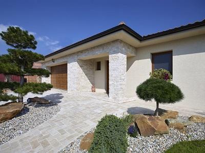 Obklad na dom z prírodného kameňa je trend, ktorý pretrváva + príklady