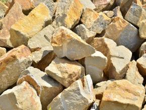 Pieskovec murovací kameň BZ 1t = 2,5m2