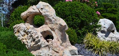 Soliterní kameny - velké