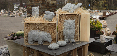 Zvířata a sošky z kamene