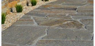 pojezdová dlažba z kamene