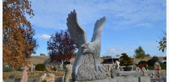 Okrasná socha z kamene Orel