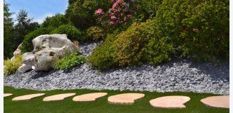 Modak mango nášlapy červené z kamene