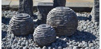 set tří vápencových fontán