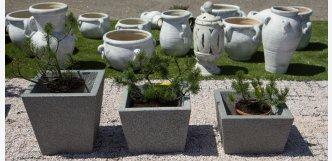 květináče z kamene hranaté šedé