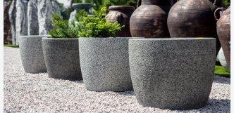 moderní kavětináče z kamene